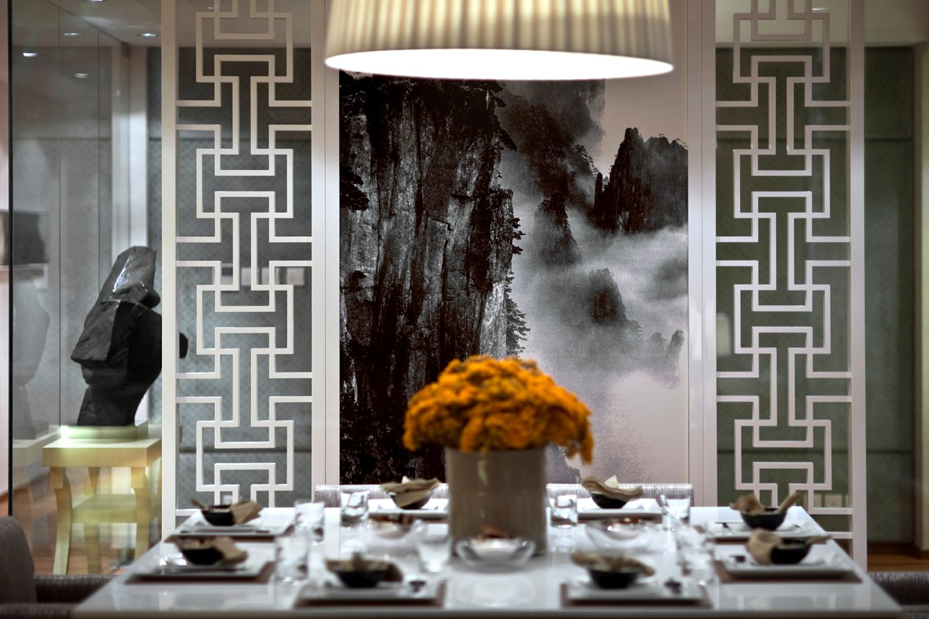 steve-leung-interior-design-project-at-one-lasalle-flat-in-hong-kong