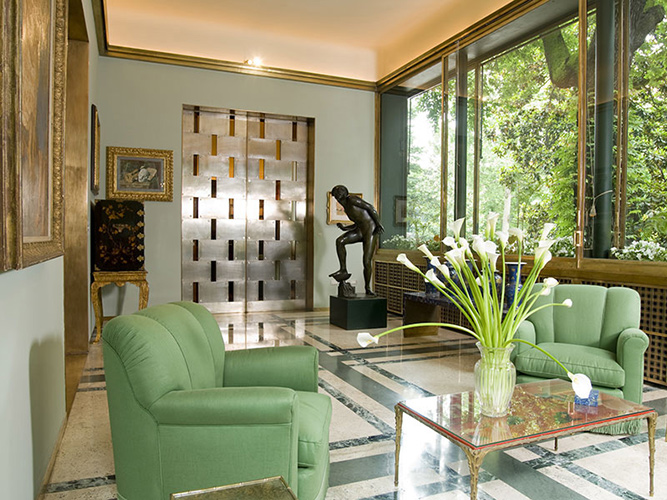 living room of Villa Necchi designed by architect Piero Portaluppi to be visited while buying furniture in Italy