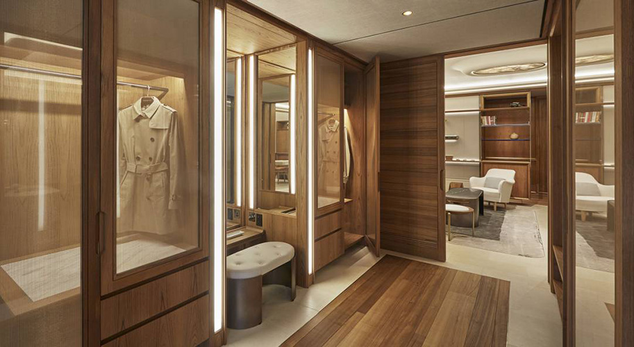 bespoke Italian wardrobe by b&b italia in a very luxury interior design project