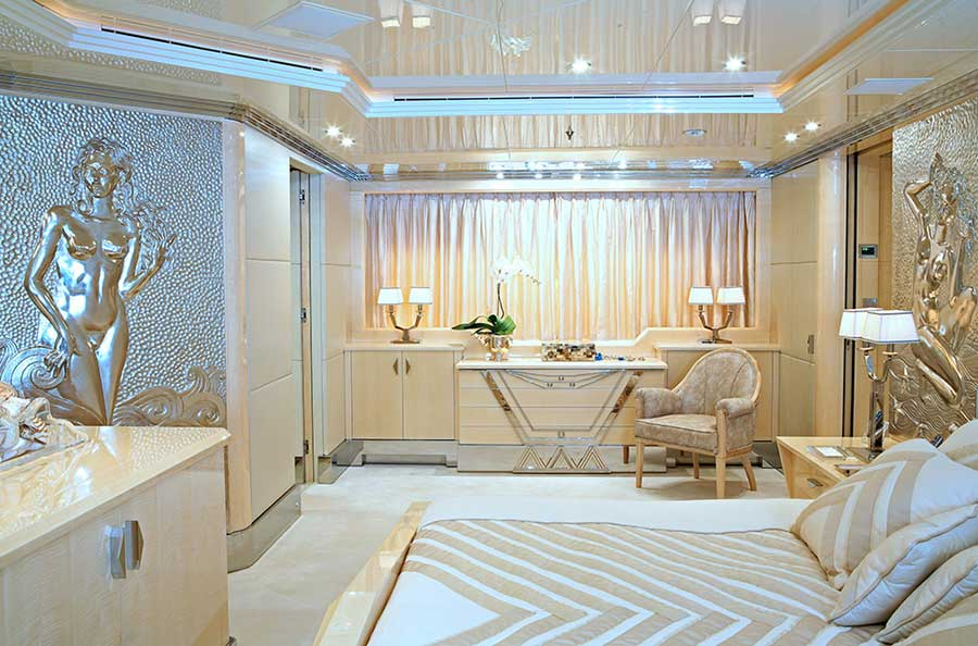 high end Italian furniture by molteni&c for azimut benetti yacht