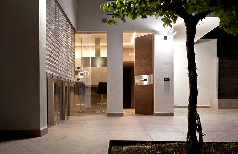 tekno door by oikos one of the best Italian outdoor doors