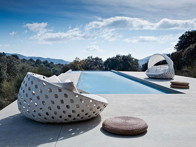 canasta day bed by b&b Italia one of the high end outdoor furniture brands