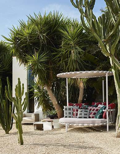 trampoline day bed by cassina outdoor furniture collection designed by patricia urquiola