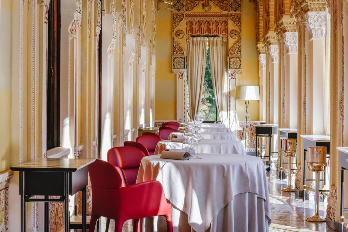 Italian furniture shopping tour and hotel booking service