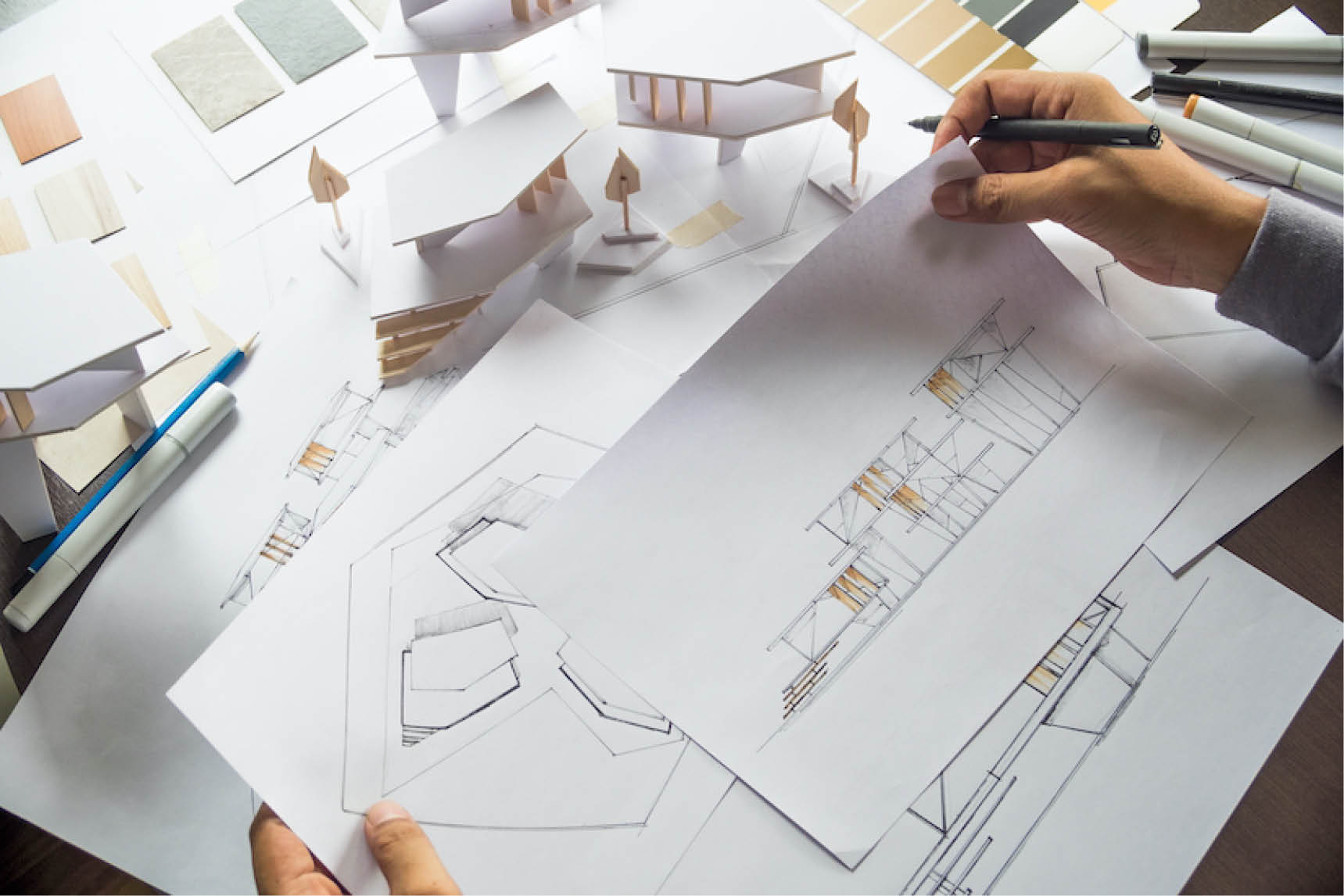 Italian interior residential contractor and architects team