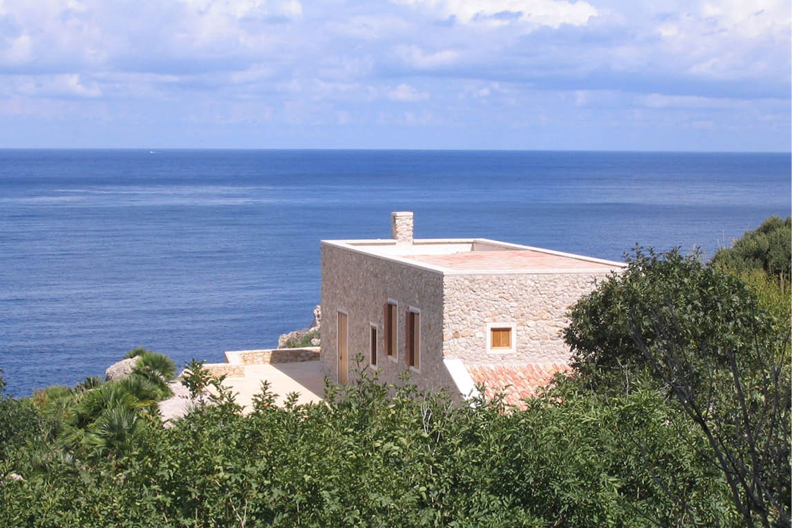 luxury home renovation throughout Italian style of a villa facing the seaside