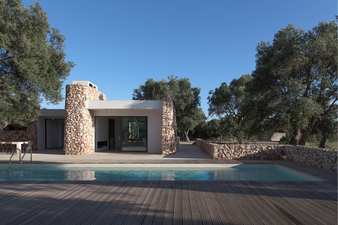 luxury home renovation and home decoration project of an Italian villa in the countryside