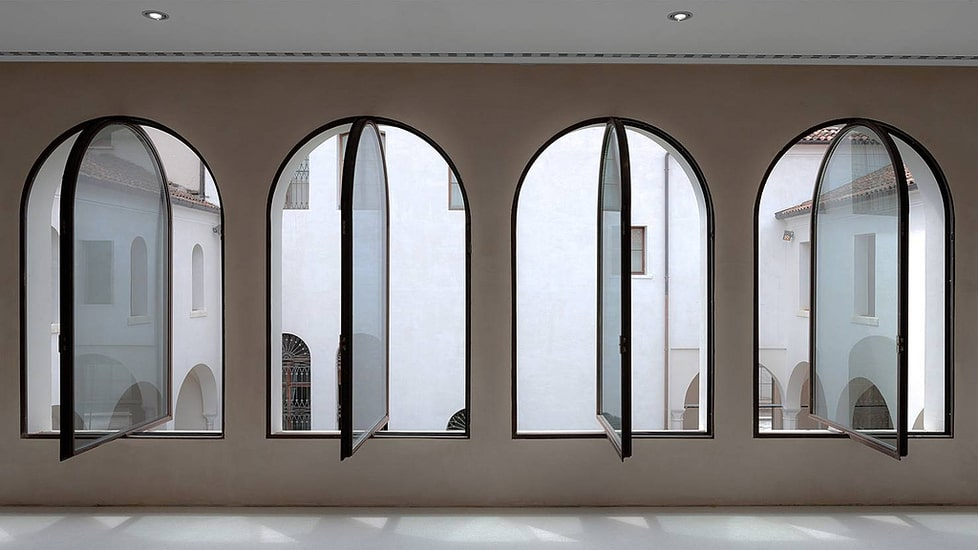 minimal windows can have different shapes and finishings
