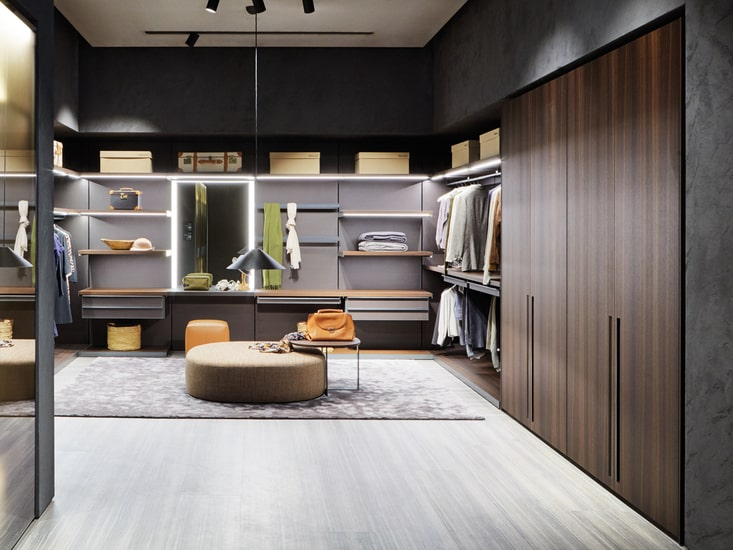 Customize your personal Molteni Master Dressing throughout our online interior design service.