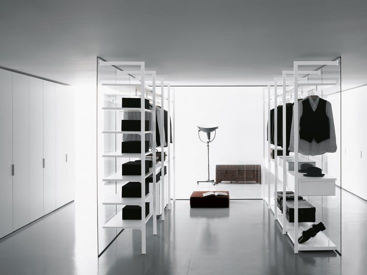 Porro modular walk in closet give you the possibility to create endless compositions