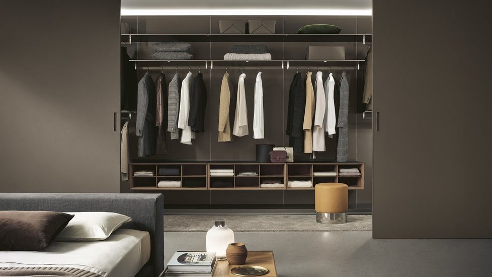 Rimadesio walk in closet can offer different types of compositions