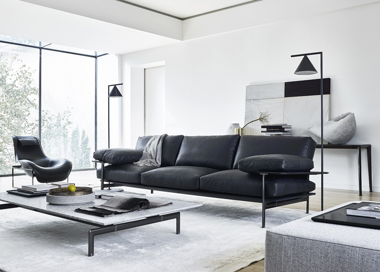 Discover all the possibilities that we present in our top Italian leather sofa brands