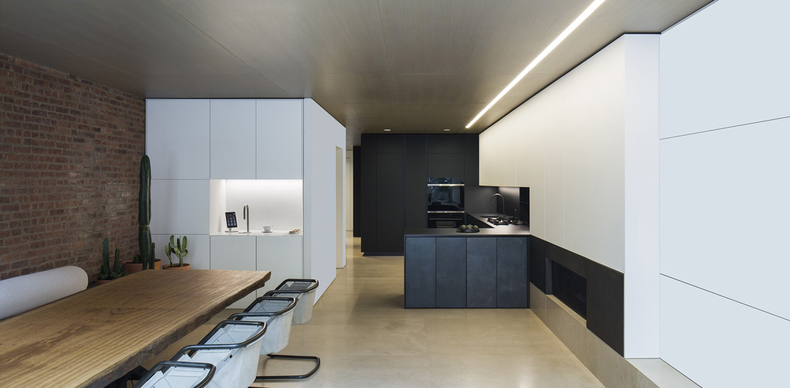 Arthur Casas studio and its new york apartment interior design project