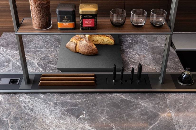 Molteni kitchens and details of Sistema XY designed by Francesco Meda