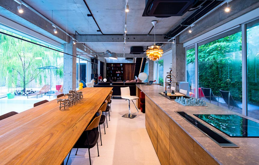 Contemporary kitchen with the Best Italian Furniture. Top Interior Design Firm in Bangkok - Discover our Exclusive Italian Furniture Brands by Esperiri