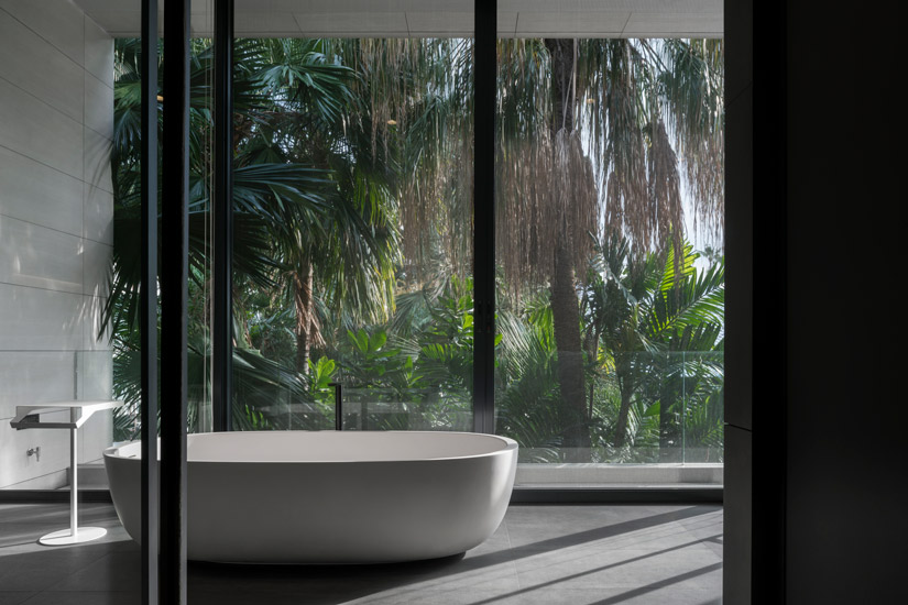 Contemporary Luxury BathRoom designed by Architects49. Discover our Unique List of the Best Interior Design Firm in Bangkok by Esperiri