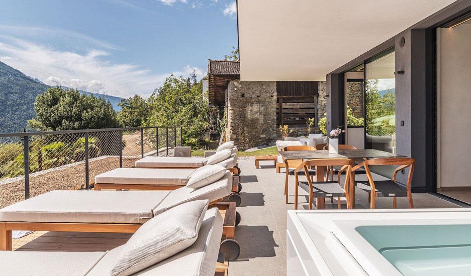 Relax Outdoor Area at Arua Private Spa Villas in Merano