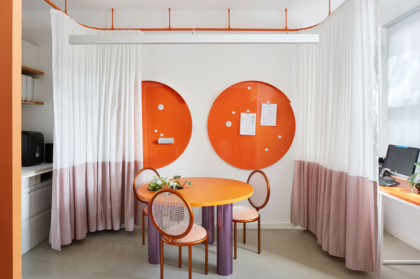 Circular shapes for inclusion and sharing. Sibling Architecture is one of the design studios we selected in our list of the best interior designers Melbourne has to offer