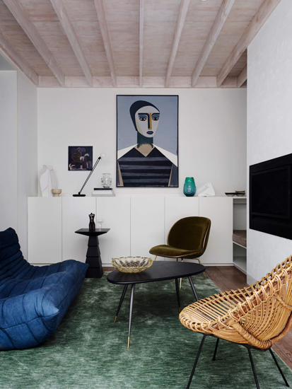 Scandinavian and italian iconic pieces for Bondi Junction House designed by Alexander&Co, one of the top interior designer Sydney has to offer