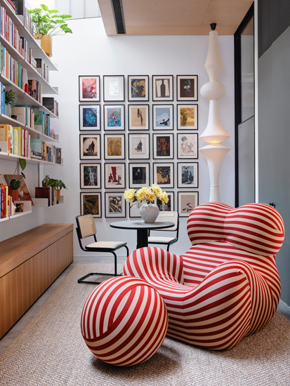 Up Series 2000 Armchair by Gaetano Pesce furnish the library room in The Collector House designed by Arent&Pyke, one of the Design studios we selected in our list of the top interior designers Sydney has to offer