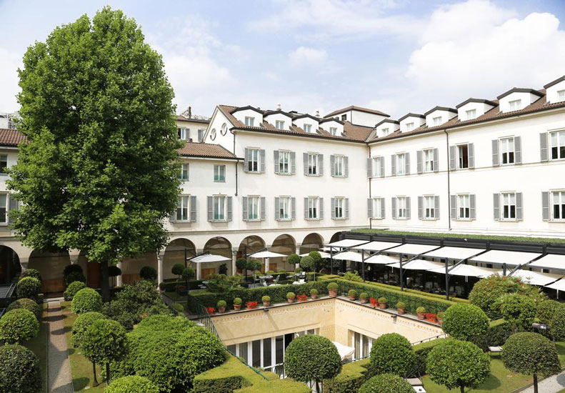 A fairytale 15th-century convent is the sophisticated location of the Four Seasons Hotel, one of the Best 5 star Hotels in Milan's Montenapoleone Fashion District.