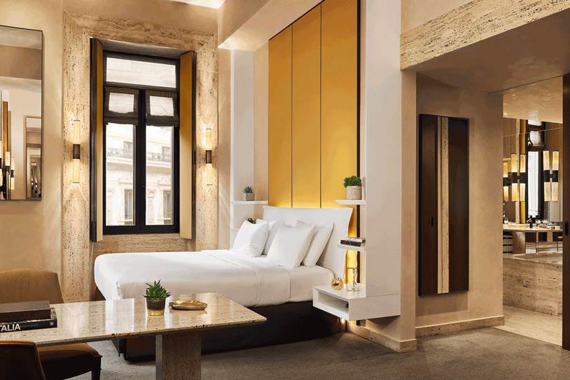High ceilings, expensive dark woods and rich wool carpets are some of the exclusive attentions for this interiors at Park Hyatt, one of the most fashionable hotel in our list of the best five star hotels in Milan by esperiri